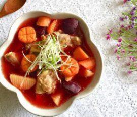 Món canh củ dền nấu sườn ngon bổ dưỡng