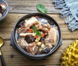 Món canh từ vỏ sầu riêng ngon lạ