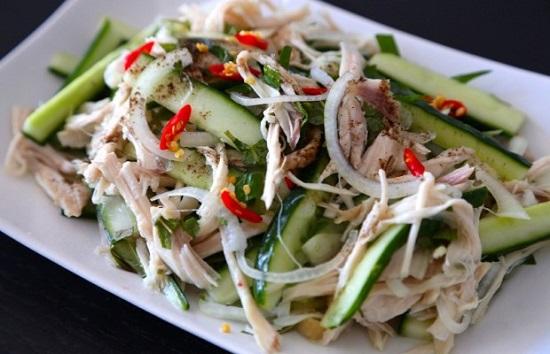 Món salad thịt gà dưa chuột thanh mát