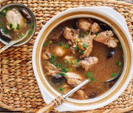 Món canh gà nấm hương bổ dưỡng cho cả nhà