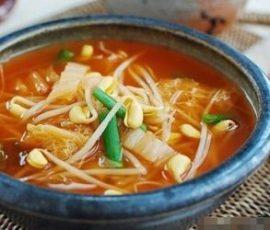 Món canh kim chi giá đỗ chuẩn vị Hàn Quốc