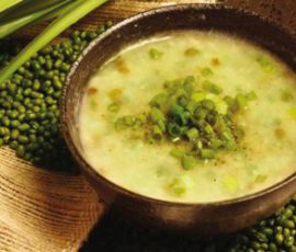 Món cháo vịt đậu xanh bổ dưỡng cho bé giải nhiệt