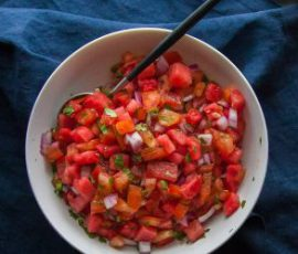 Món salad cà chua dưa hấu giải nhiệt mùa hè