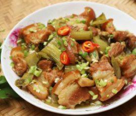 Món thịt heo kho dưa cải vừa nhanh vừa ngon miệng