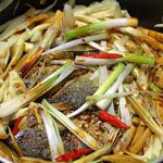 Món cá bạc má kho măng ngon đậm đà
