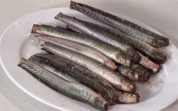Ướp cá cùng gia vị