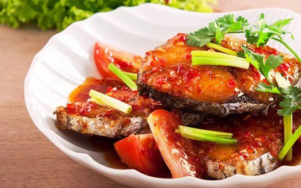 Món cá thu kho cà chua đậm đà đưa cơm