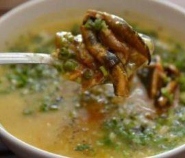 Món cháo lươn đậu xanh ngon bổ dưỡng cho bé