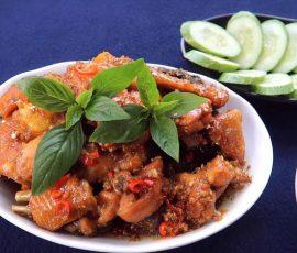Món gà kho sả ớt cho bữa tối thêm ngon miệng