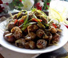 Món ốc hương xào nước cốt dừa lai rai ngày mưa