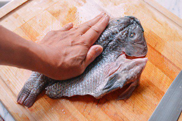 Chuẩn bị phần cá
