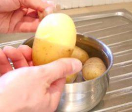 Bí quyết lột vỏ khoai tây siêu nhanh tại nhà