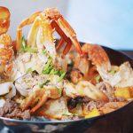 Món lẩu cua đồng hải sản thanh mát cho ngày nắng