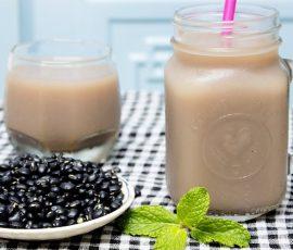Món sữa đậu đen lá dứa bổ dưỡng cho bé