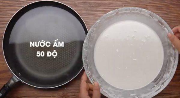 Ủ bột vào nước ấm 50 độ