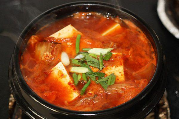Món đậu phụ hầm cay ấm bụng ngày se lạnh