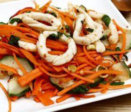 Món gỏi mực kiểu Thái chua chua cay cay