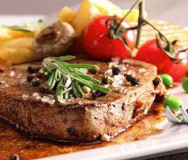Món bò bít tết sốt tiêu đen thơm mềm ngay tại nhà