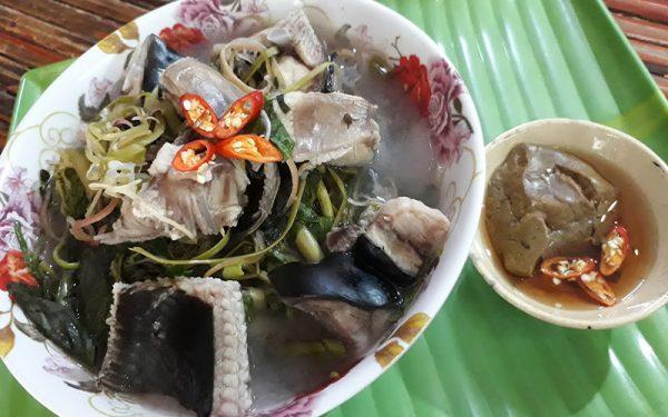 Món canh chua cá đuối chuẩn vị miền Trung