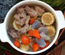 Món canh sườn ngô rau củ bằng nồi cơm điện