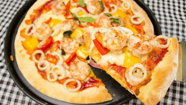Món pizza hải sản nóng giòn ngon hấp dẫn