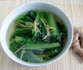 Món canh cải bẹ xanh gừng ấm bụng giải cảm