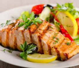 Món cá hồi nướng bơ tỏi thơm ngon giàu dưỡng chất