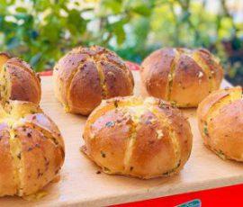 Món bánh mì bơ tỏi phô mai ngon tuyệt