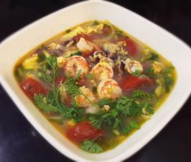 Món canh trứng hải sản đưa cơm ngày mưa lạnh