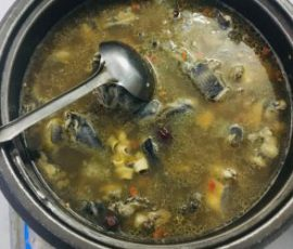 Món lẩu gà ác thuốc bắc bổ dưỡng cho cả nhà