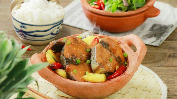 Món cá ngừ kho khóm thơm ngon hấp dẫn