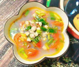 Món canh hến cà chua ngon miệng đưa cơm