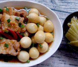 Món thịt ba chỉ kho trứng cút mềm thơm ăn hao cơm