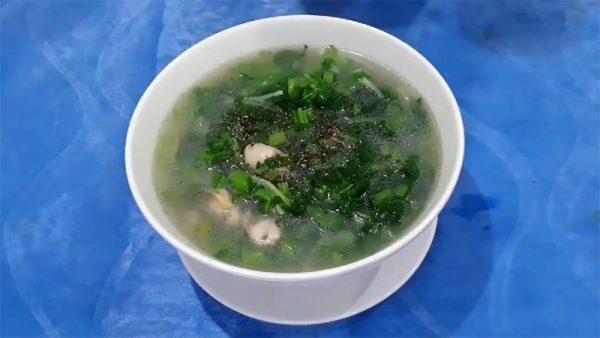 Món canh hàu cải bẹ xanh bổ dưỡng cho cả nhà