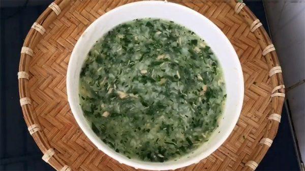 Món cháo cá hồi rau ngót dinh dưỡng cho bé ăn dặm