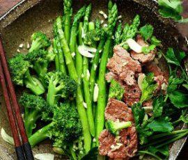 Món măng tây xào thịt bò bổ dưỡng cho cả nhà