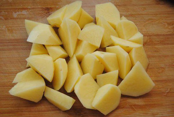 Chuẩn bị khoai tây