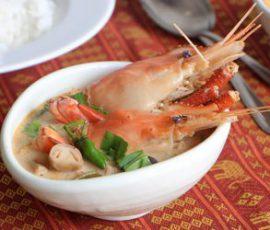 Món canh Tom Yum chua cay kiểu Thái đơn giản