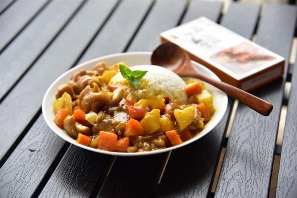 Món cơm cà ri kiểu Nhật Bản đơn giản tại nhà