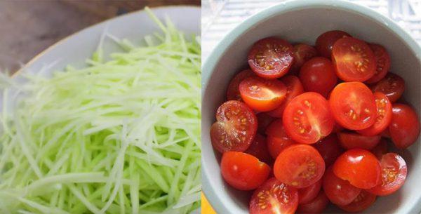 Chuẩn bị đu đủ và cà chua