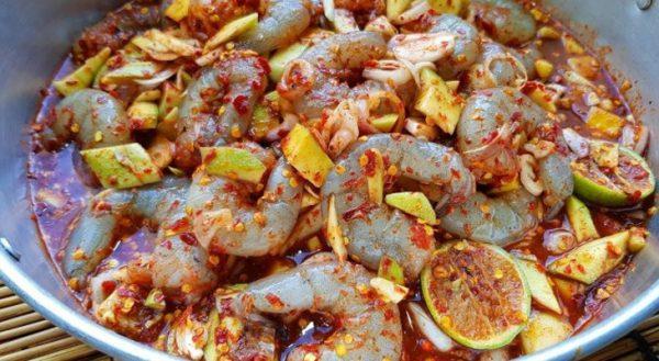 Món gỏi tôm sống kiểu Thái thơm ngon lạ miệng