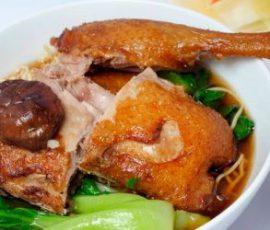 Món mì vịt tiềm ngon ngất ngây chuẩn vị người Hoa