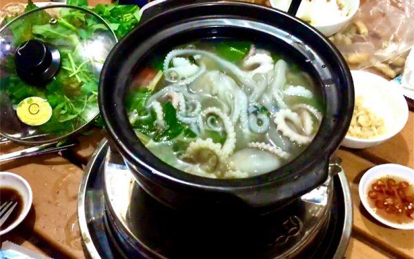 Món bạch tuộc nhúng mẻ thơm ngon hấp dẫn