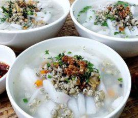 Món bánh canh hến nước cốt dừa ngon béo ngậy