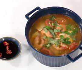 Món canh chua củ hủ dừa tôm đất ngon đậm đà