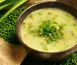 Món cháo giò heo đậu xanh thơm ngon bổ dưỡng
