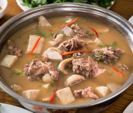 Món lẩu vịt nước dừa thơm ngon chuẩn vị