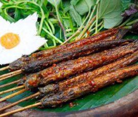 Món cá kèo nướng sa tế cay cay ấm bụng ngày mưa