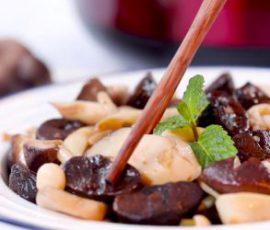 Món tỏi đen xào nấm đậm đà ngon bổ dưỡng
