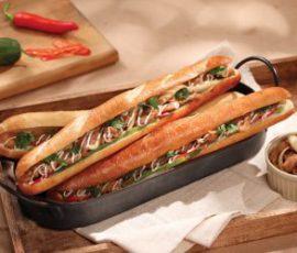 Món bánh mì que thịt cay giòn rụm ngon tuyệt